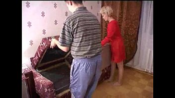 Russian mature mom and a friend of her son! Amateur! - wetxxxgirls